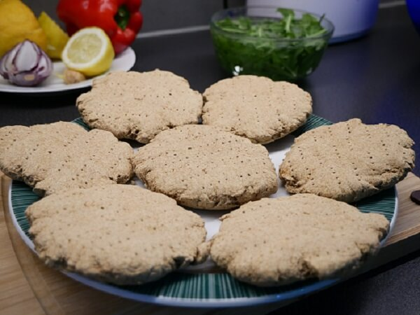 Homemade high-carb low-fat vegan burgers_inside (1)